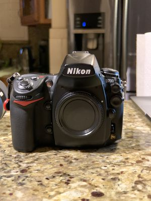 Nikon D700 w/ Nikon 85mm f1.8 and Tamron 35mm f1.8 VC for Sale in Fontana, CA