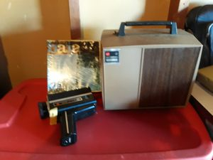 Old camcorder and projector for Sale in Maplewood, MN