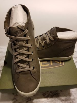 KEEN Women's shoes size 11 for Sale in Modesto, CA