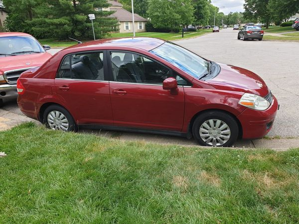 Nissan versa 2008 with well taken care of