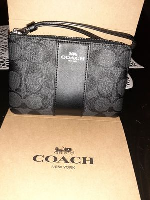 Wallet coach for Sale in Bloomington, CA