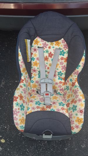 Graco Forward Facing Car seat for Sale in Valrico, FL