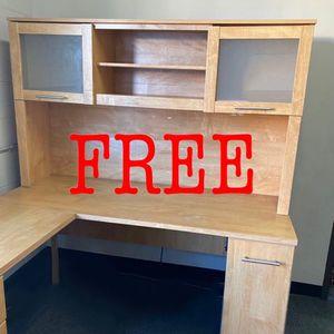Free office desk for Sale in Glendale, CA