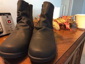 MOUNTAIN SOLE BOOTS for Sale in Virginia Beach, VA