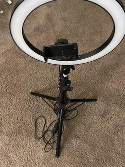 Selfie Ring light - Warm & Cold Adjustable Light for Sale in Columbus,  OH