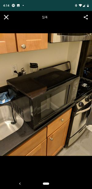 Magic Chef Microwave 1.1 cu. ft. for Sale in Hoboken, NJ