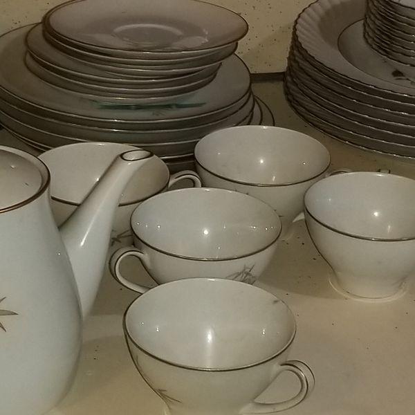 Noritake #6341 Oriental pattern. Porcelain china with Teapot