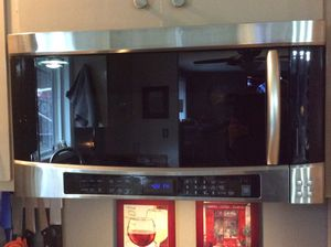 Samsung Over The Range Microwave Oven for Sale in Tacoma, WA