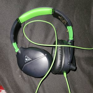 Turtle Beach XBOX one HEADSET PERFECT CONDITION for Sale in Tigard, OR