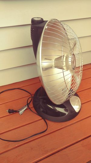 Presto HeatDish Plus Parabolic Electric Heater for Sale in Everett, WA