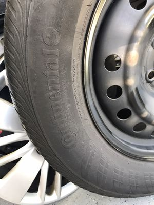 Tires with rims 235/65/r17 for Sale in Vancouver, WA