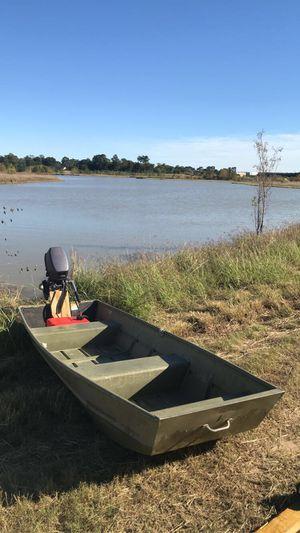 Lowe 12ft aluminum Jon boat for Sale in Houston, TX
