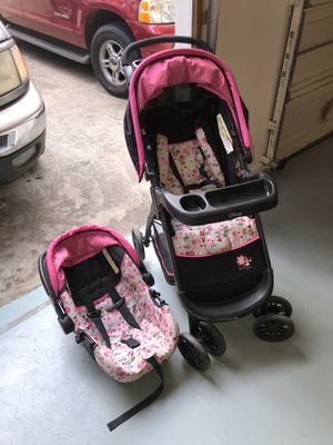 Minnie Mouse Stroller with Car seat ! for Sale in Austell, GA