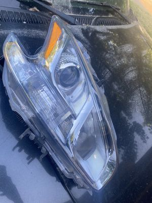 Passenger side HID esembly with bulbs for Sale in Lithonia, GA