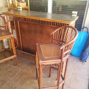 Tiki Bar With Two Bar Stools for Sale in Zephyrhills, FL