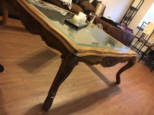 Antique Wooden coffee table w/ glass for Sale in Houston, TX