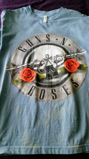 Guns And Roses T-Shirt for Sale in Harrisburg, PA