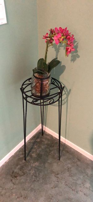Potted Plant Stand + Fake Plant for Sale in Los Angeles, CA