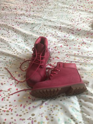 Toddler timberland pink boots size 8 for Sale in Dallas, TX