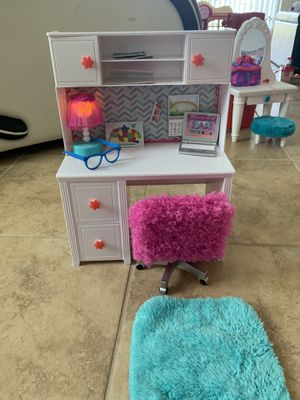 """Desk for 18"""" doll (fits American girl doll) for Sale in St. Cloud, FL"""