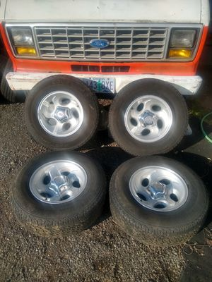 "LT235 75 15"" Mastercraft brand of tires Ford Ranger Explorer Wheels for Sale in Kent, WA"