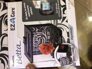 EZ care desktop betta tank. Free USB light. for Sale in New York, NY