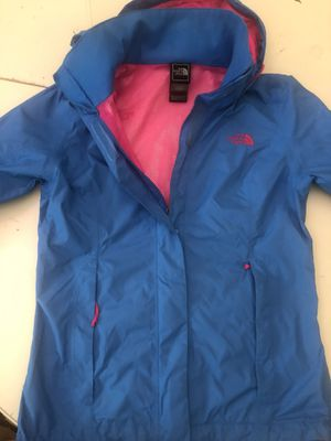 The north face raining jacket size xs for Sale in Annandale, VA