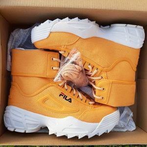 (Fila) disruptor ballistic boots Women's for Sale in Copperas Cove, TX