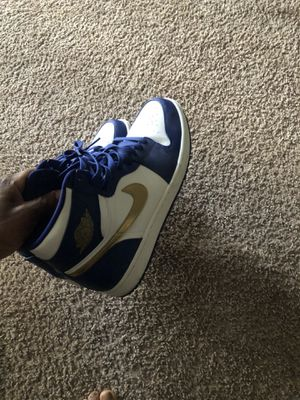 Jordan 1 gold medal size 11 wore one time for Sale in Pembroke Pines, FL