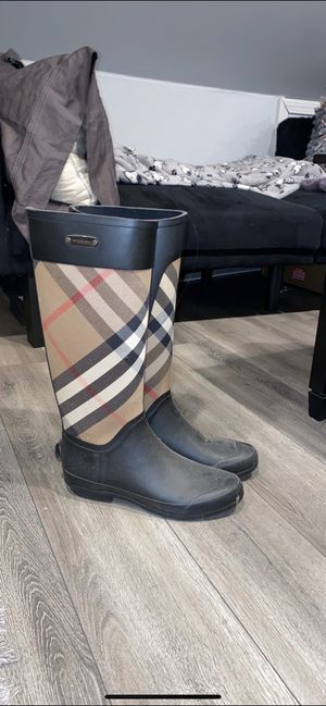 Burberry boots for Sale in Peabody, MA