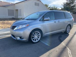 2014 Toyota Sienna luxury edition for Sale in Las Vegas, NV