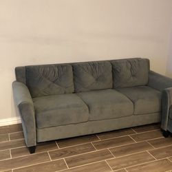Microfiber Sofa Couch With Rolled Arms for Sale in Garland,  TX