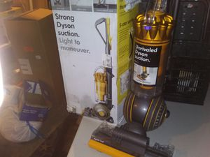 This is the Dyson multi floor 2 for Sale in HOFFMAN EST, IL