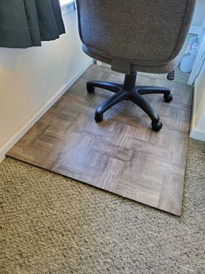 Office Chair Mat For Carpeted Floors for Sale in Medina, OH