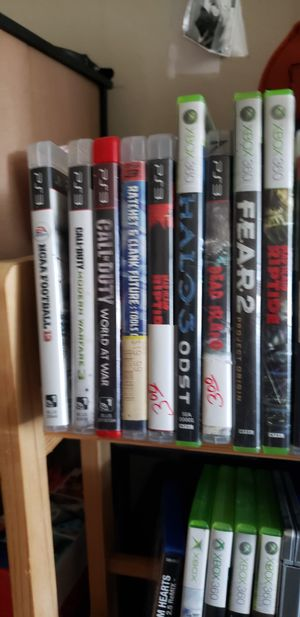 Lots of ps4 games and more for Sale in Oklahoma City, OK