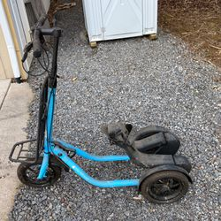 Me Mover Three Wheel Scooter for Sale in Gladstone,  OR