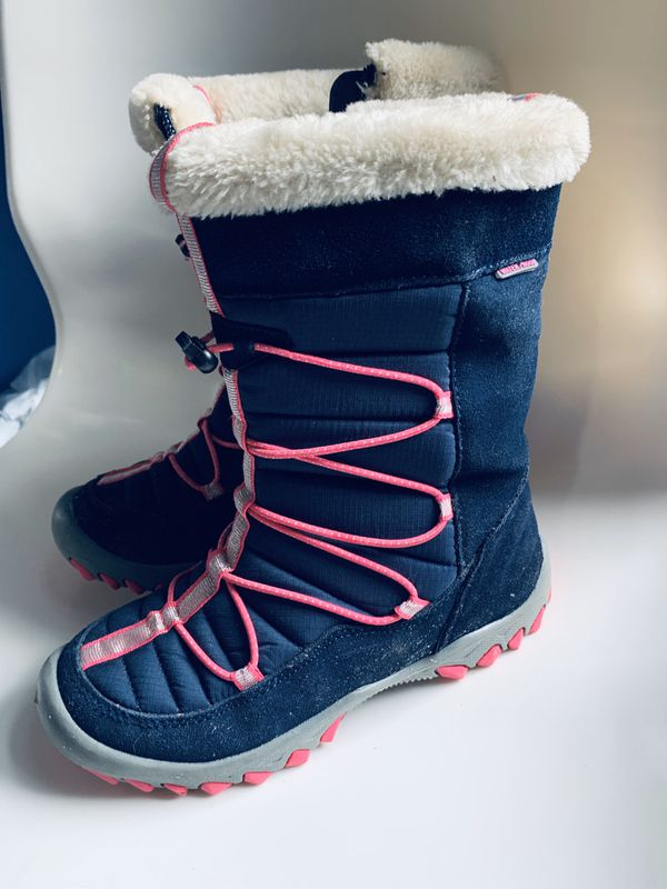 Girls Snow boots size 3