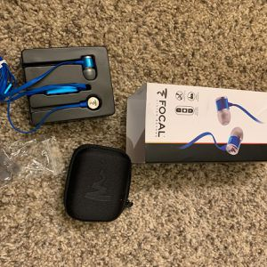 Focal Spark In-Ear Headphones With 3-Button Remote And Microphone (blue) for Sale in Rancho Cordova, CA