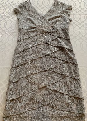 Davids Bridal woman's dress size 14 for Sale in Lincoln Park, MI