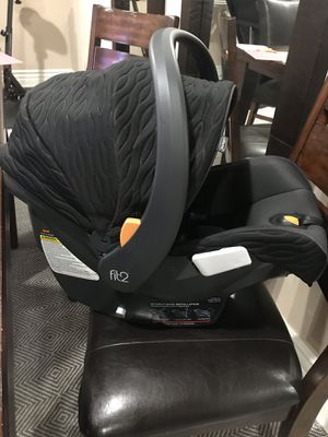 Chicco Fit2 car seat, like new for Sale in Los Angeles, CA