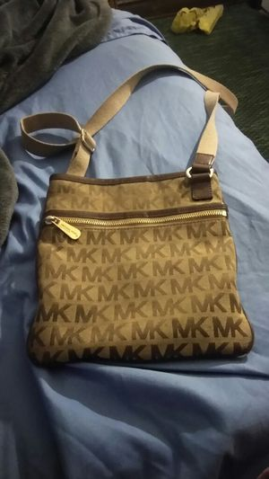Mk pull over bag for Sale in St. Louis, MO