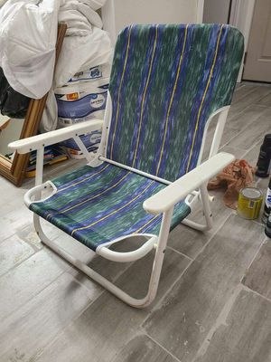 Patio Chair Can Flip Easy To Carry-on Like New for Sale in West Covina, CA
