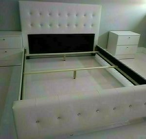 NEW BEAUTIFUL QUEEN DIAMOND BED WITH 2 NIGHTSTANDS/MATTRESS SOLD SEPARATELY for Sale in Biscayne Park, FL