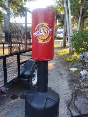 Wave Master free stand punching bag for sale!! for Sale in Hollywood, FL