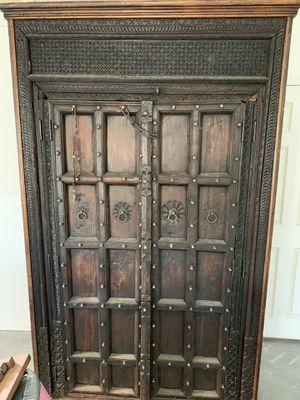 Antique Cabinet for Sale in Windsor Hills, CA