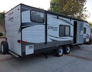 26 Foot Travel Trailer Great Condition for Sale in Riverside, CA