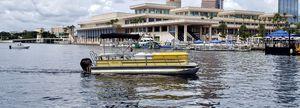 2014 24' Bentley Pontoon for Sale in Riverview, FL