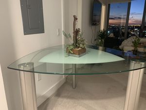 Rooms to Go Glass Dining Table for Sale in Miami, FL
