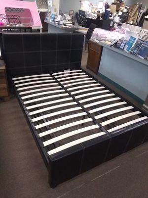 Black Queen size platform bed frame for Sale in Glendale, AZ