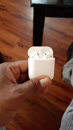 Airpod2..they earbuds work been use for one day that's it still need for Sale in St. Louis, MO